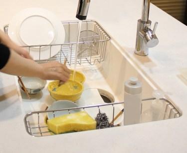 食器って洗った後に拭く?拭かない?食器洗いアレコレについて