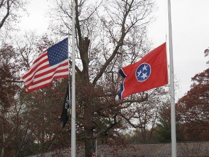 IMG_1068 US & TN flags