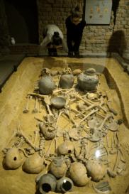 Grób zbiorowy kultury amfor kulistych z Koszyc
