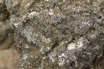 Die Steine sehen bei näherem Hinschauen dann doch schon stark nach dem Zeug aus, das wir in unserem Gasgrill liegen haben