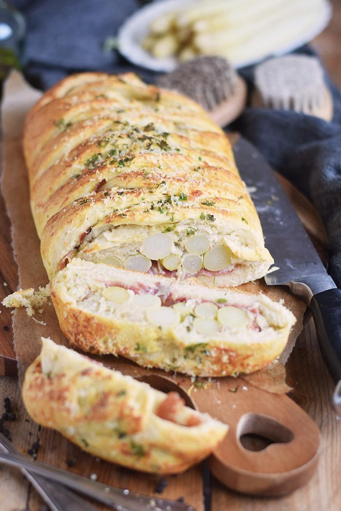 Spargel Stromboli mit Schinken - Asparagus braided bread with ham (11)