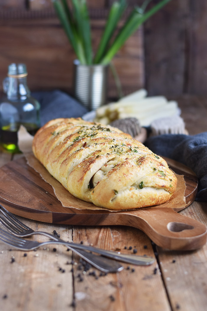 Spargel Stromboli mit Schinken - Asparagus braided bread with ham (15)