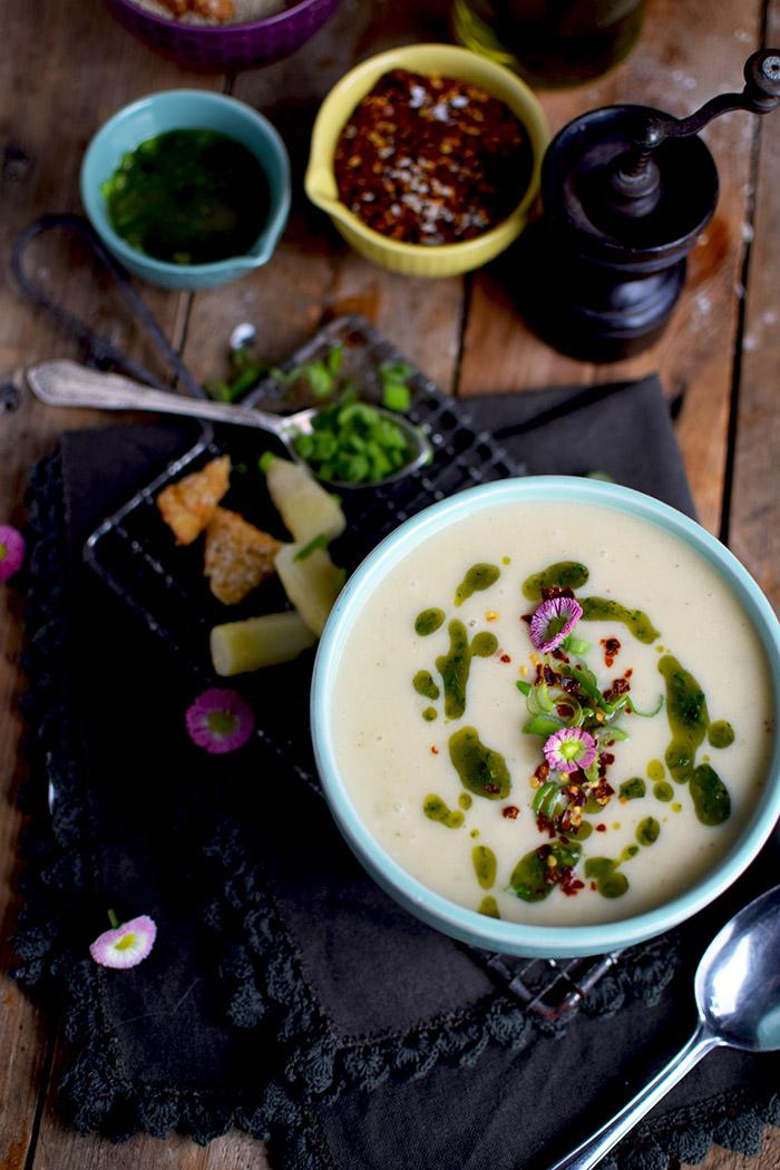 Spargelsuppe mit geheimer Zutat - Asparagus Soup (16)