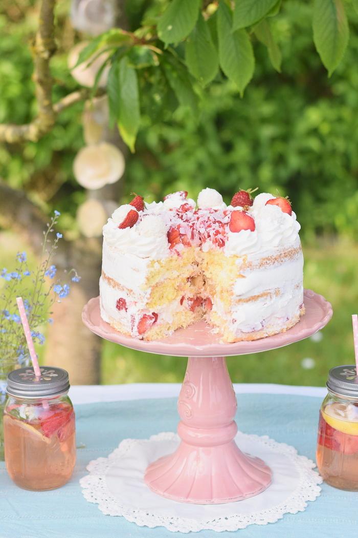 Erdbeer Kokos Raffaello Torte 2