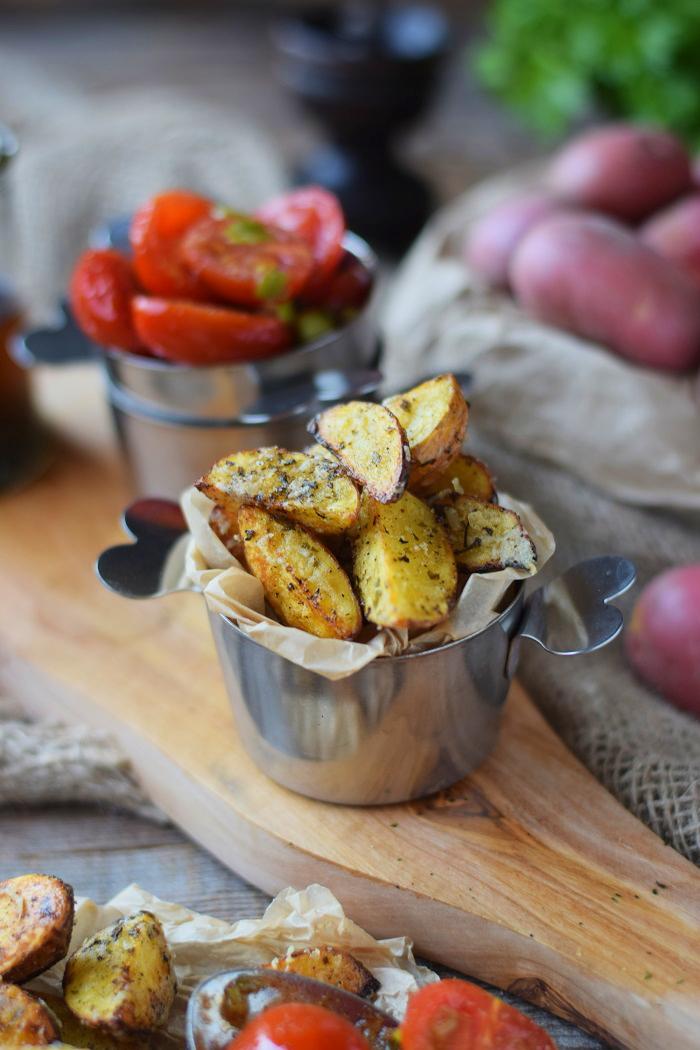 Ofenkartoffeln mit karamellisierten Tomaten
