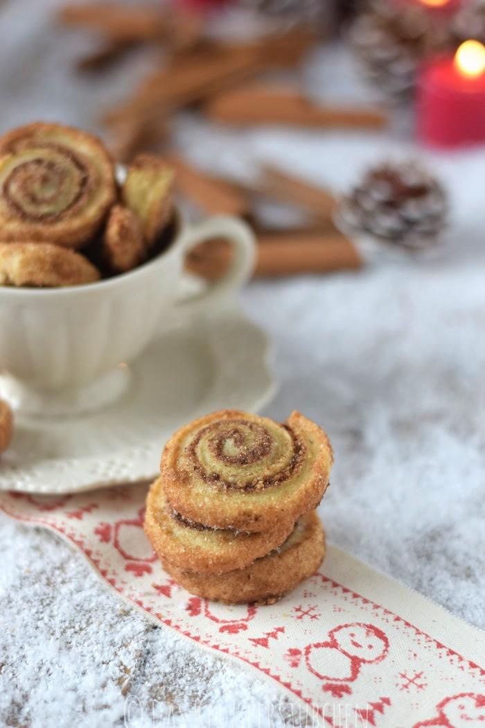 Haselnuss Zimtbällchen und Zimtschnecken Kekse Plätzchen (4)
