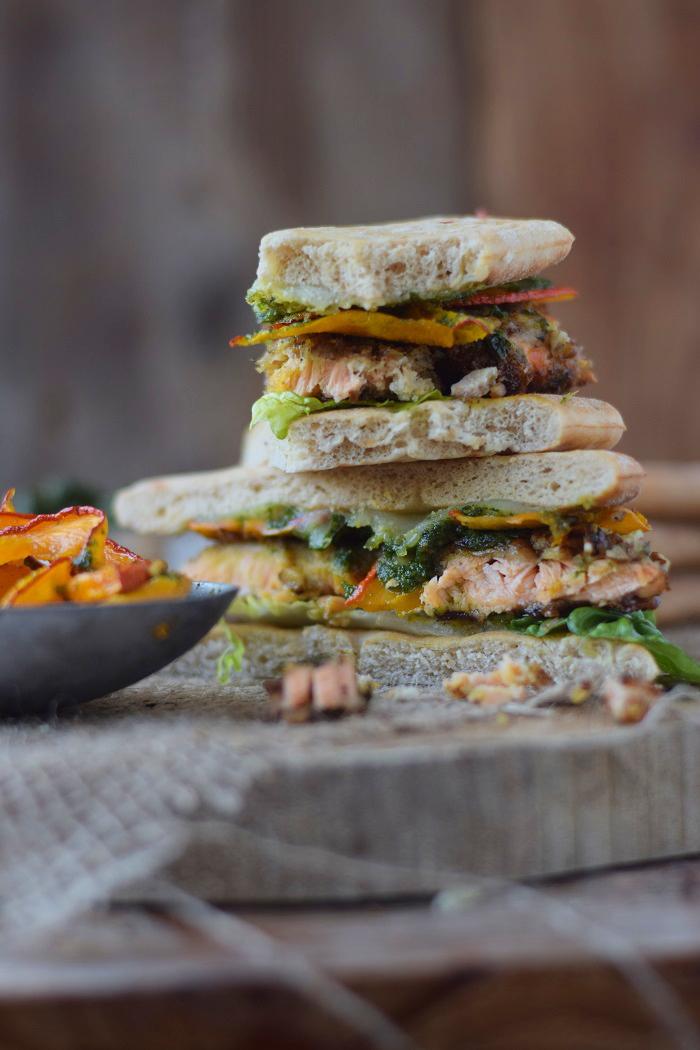 Knusper Lachs Sandwiches mit Pekannüssen, Pesto und Ofenkürbis (42)