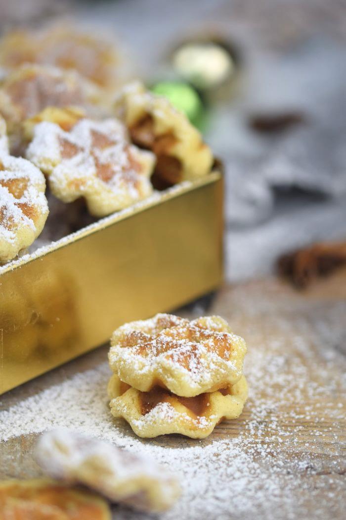 Spekulatius Waffelplaetzchen - Speculoos Waffle Christmas Cookies (11)