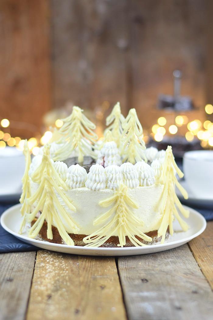 Winterliche Käse Sahne Torte mit Kirschkompott (5)