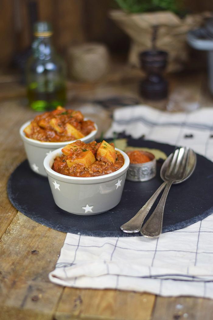 Bauerntopf - Tomaten Kartoffel Topf mit Hackfleisch - Minced Meat Tomato Stew with Potatoes and red pepper (17)