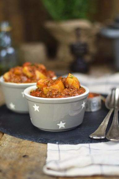 Bauerntopf - Tomaten Kartoffel Topf mit Hackfleisch - Minced Meat Tomato Stew with Potatoes and red pepper (23)