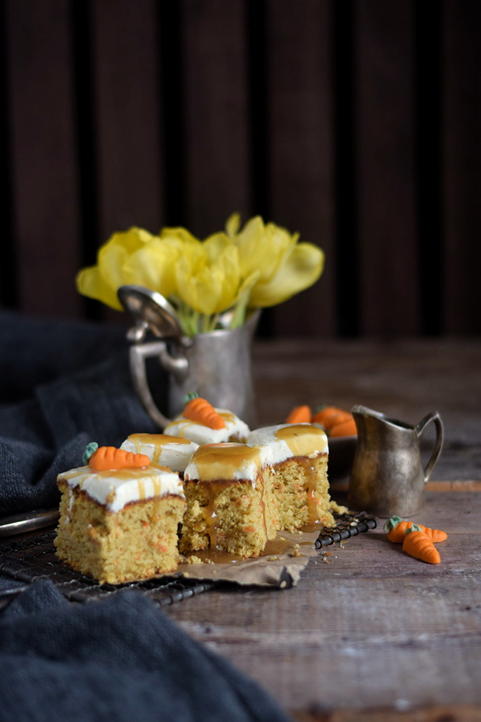 Carrot Cake mit Cream Cheese Frosting & Karamell Carrot Cake Cream Cheesecake Frosting and Caramel (16)