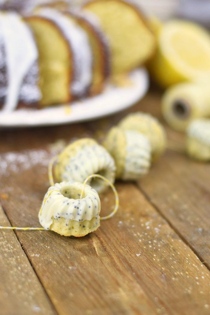 Zitronen Joghurt Gugelhupf - Lemon Yogurt Bundt Cake (27)