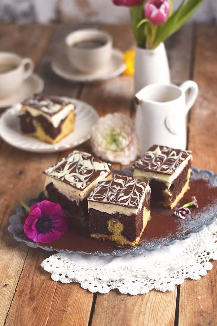 Donauwelle - Chocolate Vanilla Cake with Cherries Donauwelle Schokoladig Cremiger Klassiker (13)