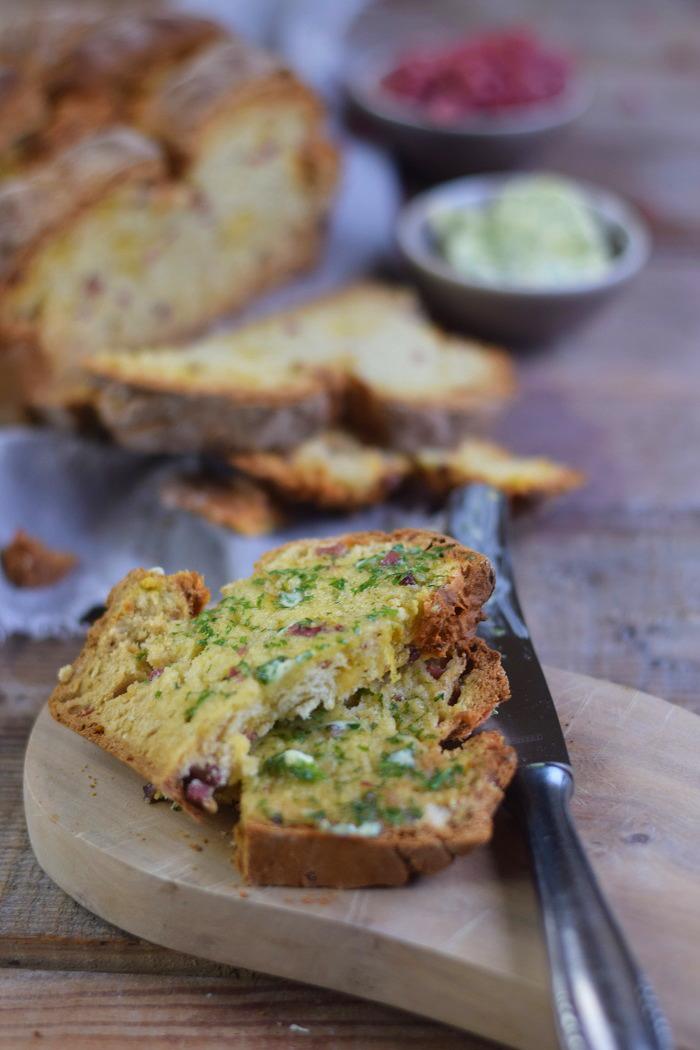 Irish Soda Bread with Cheddar and Bacon - Einfaches Brot ohne Wartezeit mit Käse und Bacon (19)