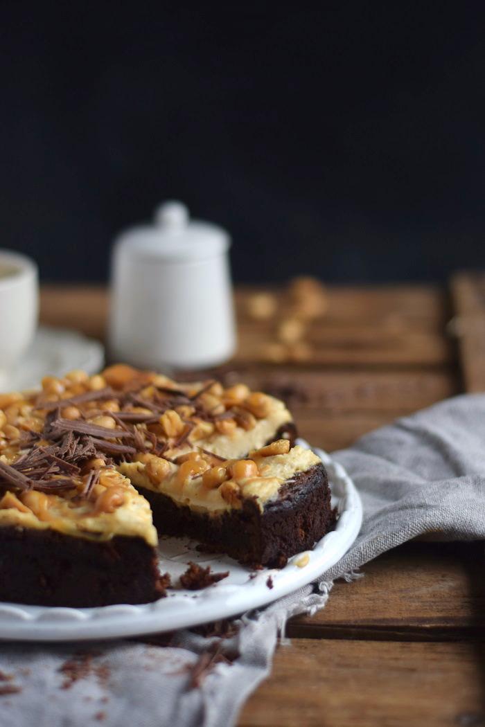 Schokokuchen (glutenfrei) mit Erdnusscreme und Karamell Glutenfree Chocolate Cake (7)