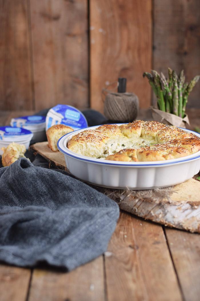 Joghurt Broetchen mit Spargel Dip - Yogurt Asparagus BBQ Rolls (30)