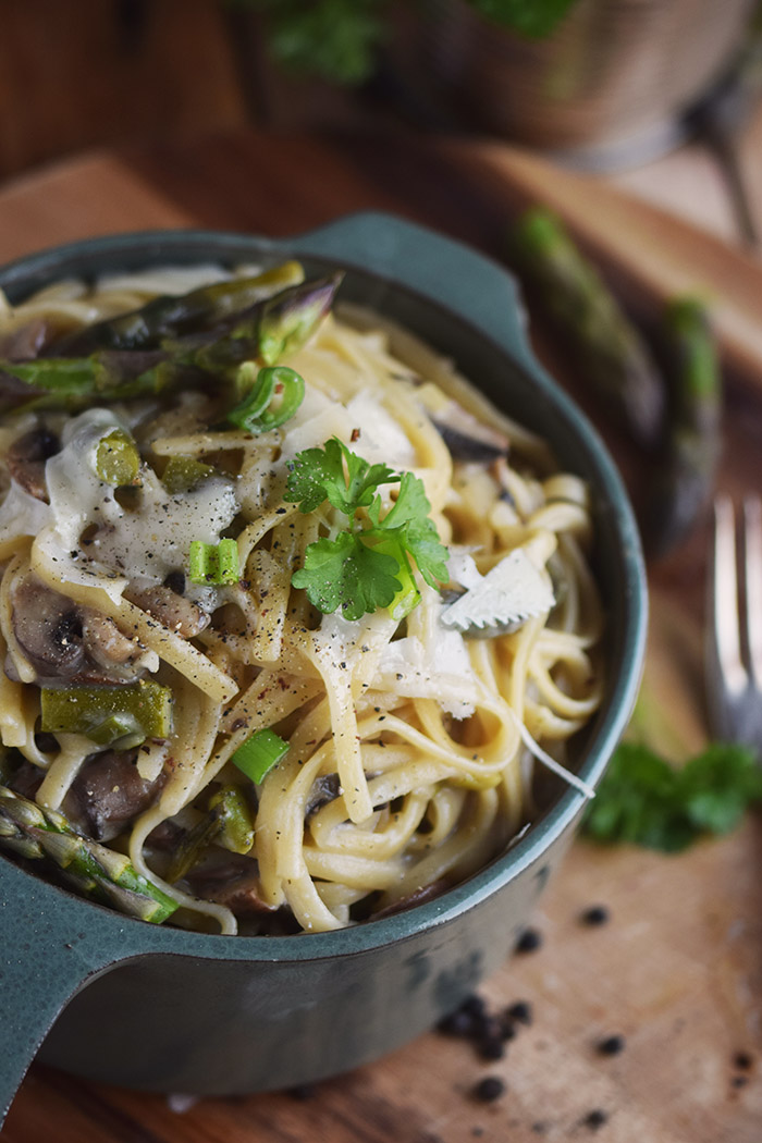 One Pot Pasta mit Pilzen und Spargel - One Pot Pasta with mushrooms and green asparagus (12)