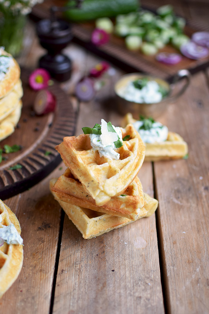 Quarkwaffeln mit Parmesan und Kraeutern - Waffles with Parmesan Cheese and ramp (9)