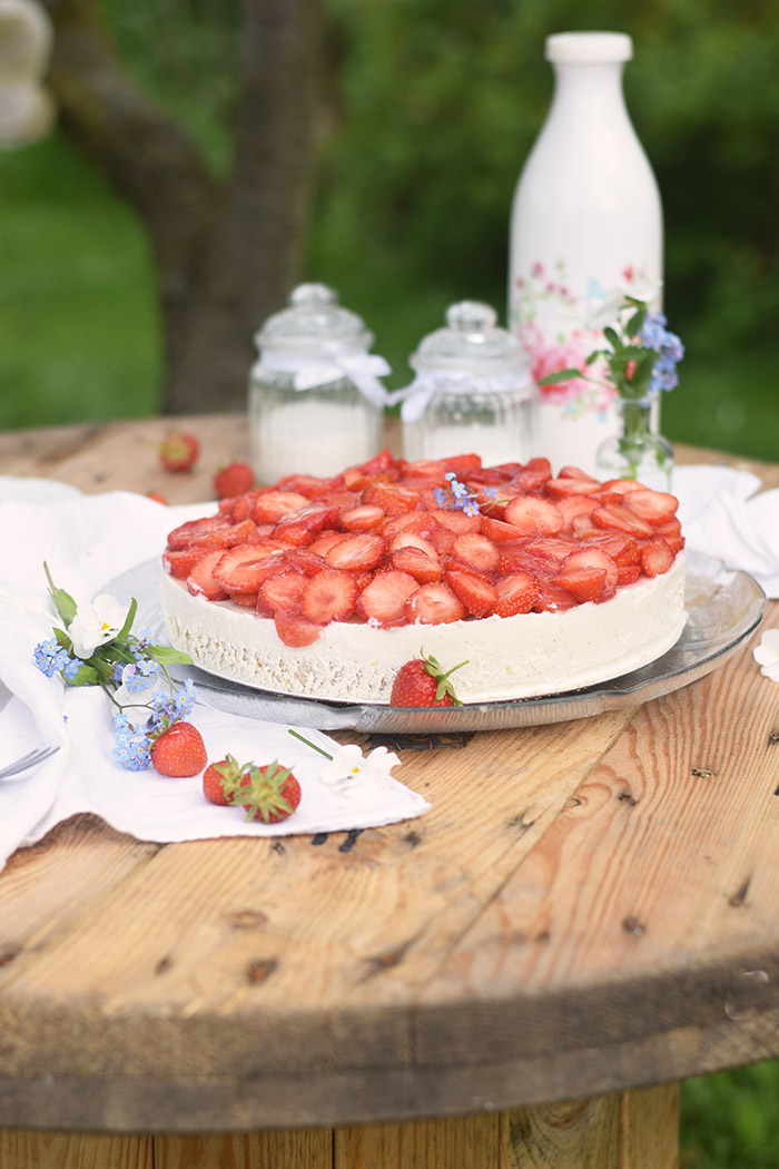 Erdbeer Zitronen Buttermilch Torte - Strawberry Lemon Buttermilk Cake (4)