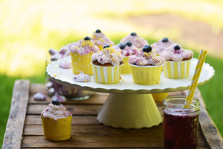 Beeren Cheesecake Cupcakes - Berry Cupcakes filled with Cheesecake (4)