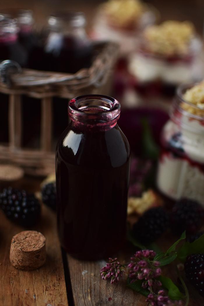 Brombeer Sirup und Mascarpone Dessert mit Streuseln - Blackberry Syrup and Dessert (12)