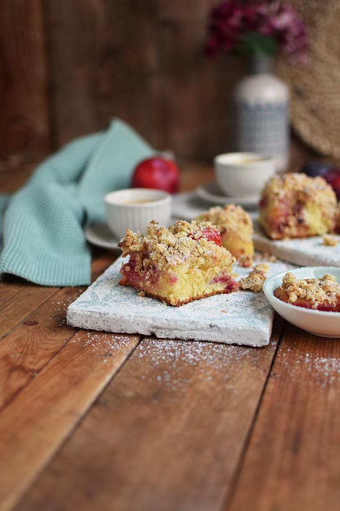 pflaumen-streusel-buttermilchkuchen-plum-crumble-buttermilk-cake-7