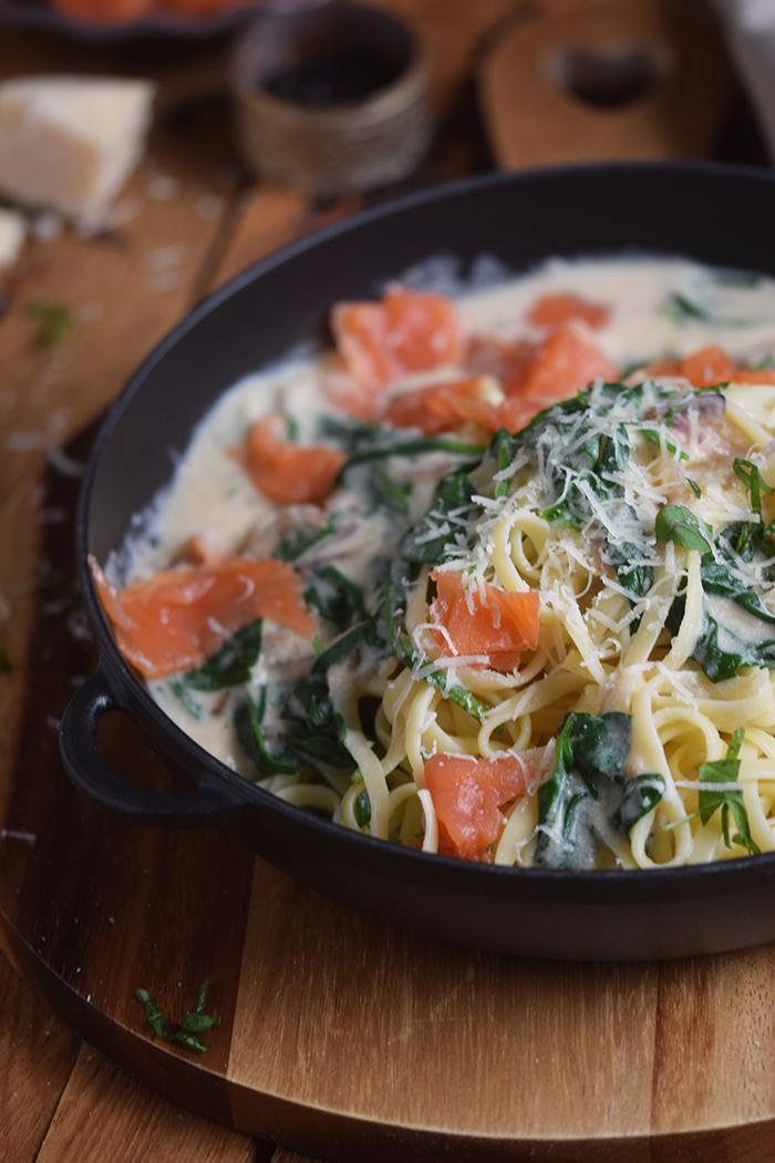 pasta-mit-spinat-und-lachs-smoked-salmon-spinach-pasta-3