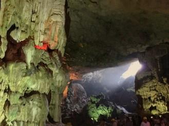 vietnam-halong-bay-7-surprise-cave