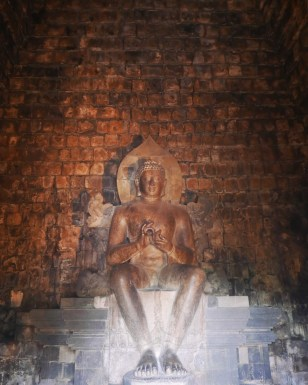 Yogyakarta - Pawon Temple and Mendut 2