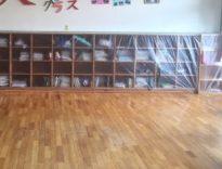 中野市内小学校の床研磨工事の養生