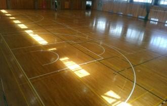 長野県内高校バスケットボール新ルールコートライン書き換え