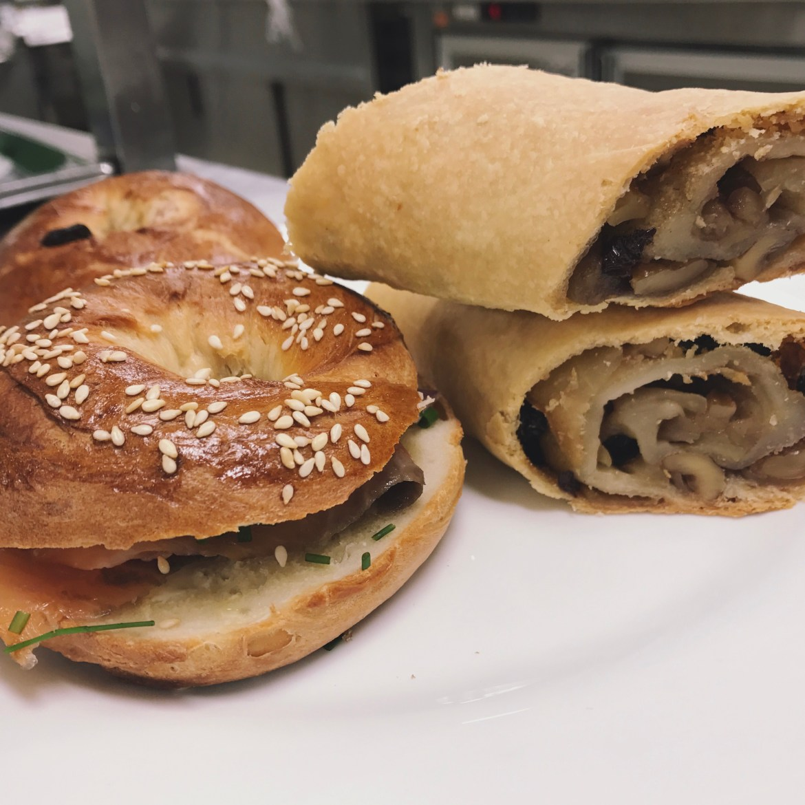 Bagel_and_Apple_Strudel