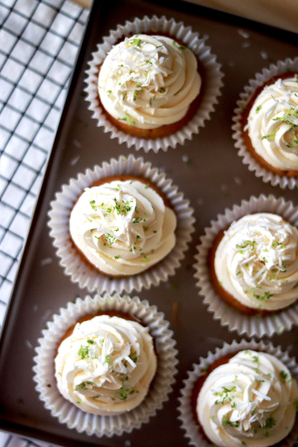 Coconut_lime_cupcake_with_Swiss_Meringue_Coconut_Buttercream_and_Lime_curd