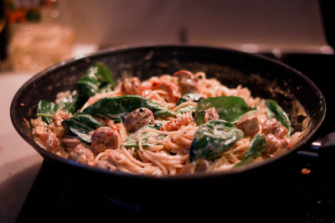 SunDriedTomato_Basil_Sausage_Paste_in_Whitewine_Cheesey_Cream_Sauce2