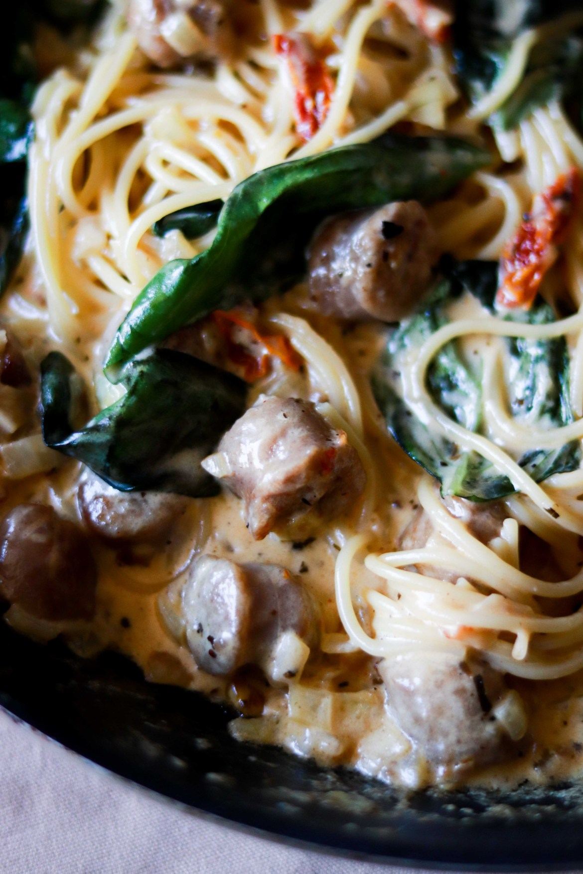 SunDriedTomato_Basil_Sausage_Paste_in_Whitewine_Cheesey_Cream_Sauce7