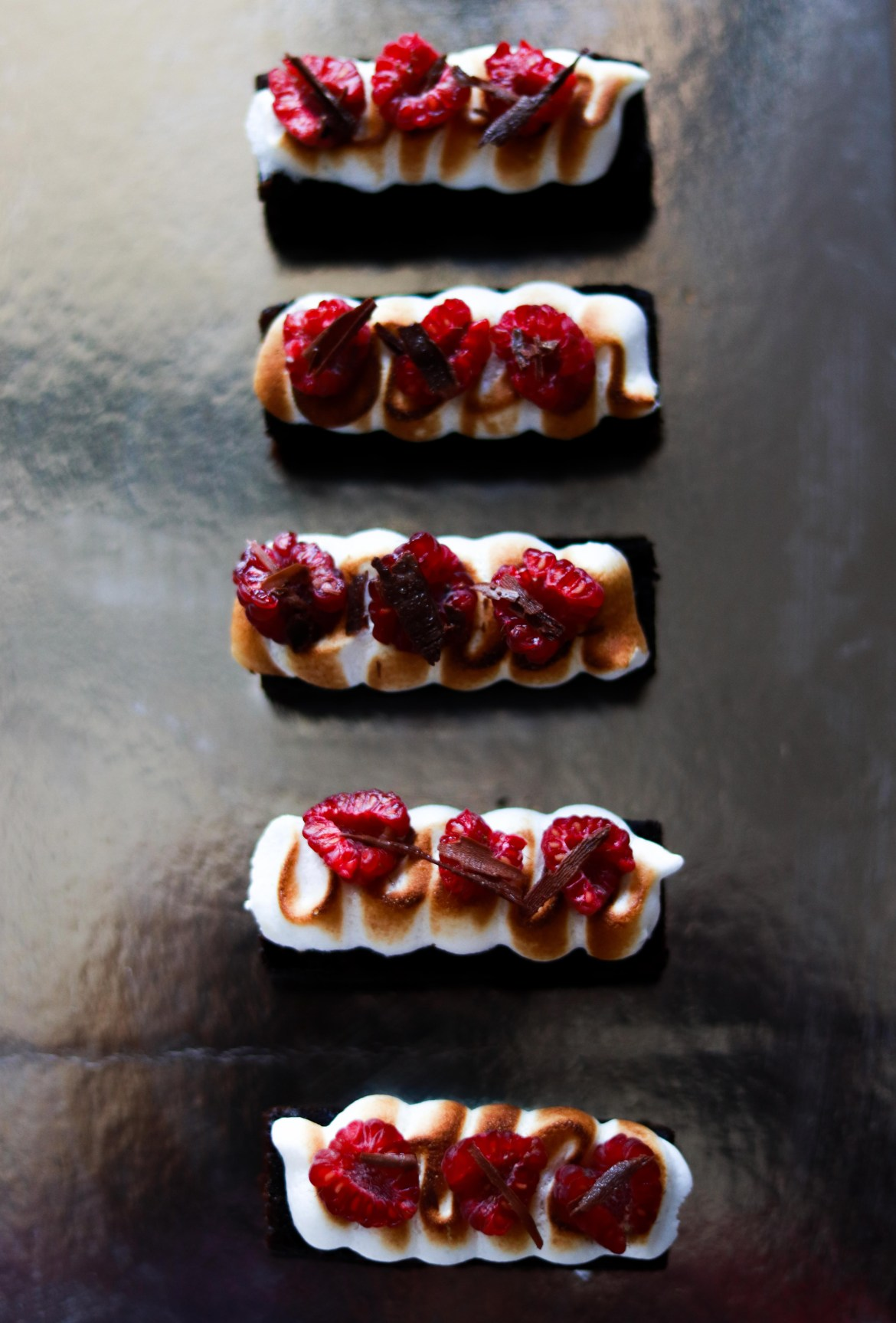 Chocolate_sour_cream_cake_with_meringue_raspberry_and_shaved_chocolate6