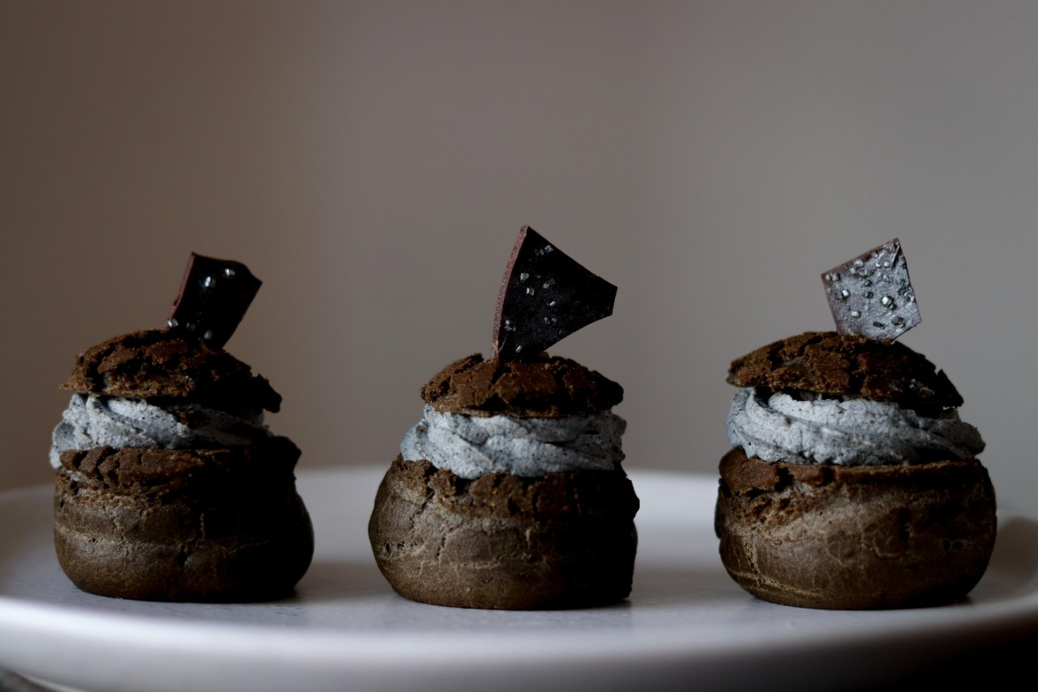 Charcoal Dark Chocolate Cream Puff with Black Sesame Chantilly Cream and Tofu Creme Patisserie3