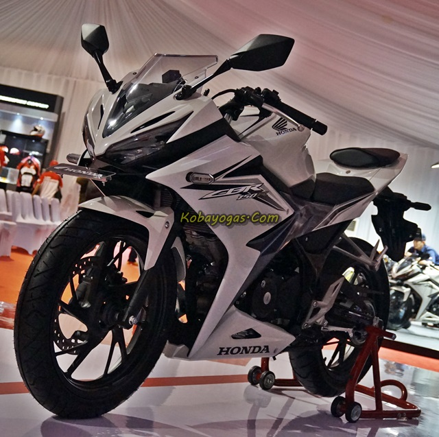 new cbr150r facelift 2016 white 1