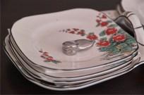 英国 1851年創業のburleigh ware 社製お皿のセット 1
