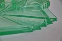 ガラス製グリーンカラー ドレッサーセット トレー・アクセサリーデッシュ・キャンドルホルダー×2セットで 2