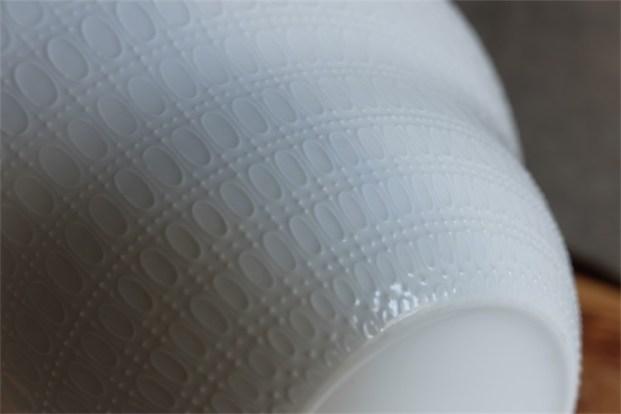 ドイツ ローゼンタール製 ビョルン・ヴィンブラッドデザイン ロマンスシリーズ 白磁の金彩がエレガントな大きなサラダボウル 径23.3㌢