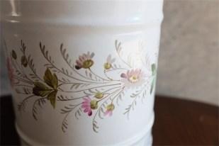 手書きの小花が魅力 アンティークホーローキャニスター 蓋なし 単品 ペンたてやキッチンツール入れに PEN 9