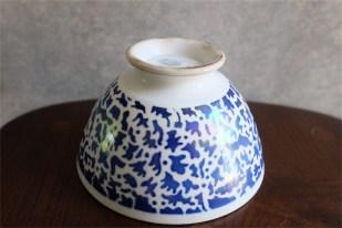 アンティークカフェオレボウル その54 フランス Saint Amand(サン・アマン)製 ブルー+虹色の発色が独特