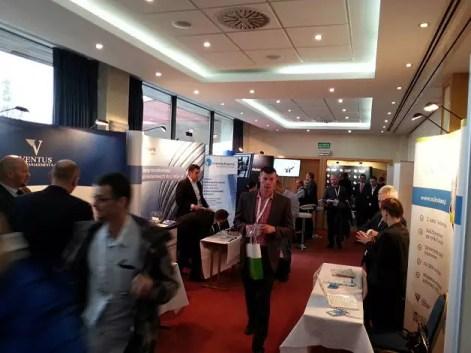 Stoiska wystawców na konferencji Profesjonalny Inwestor