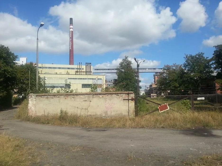 Góra Śląska - cukrownia, widok od strony stacji kolejowej, 2015 rok.