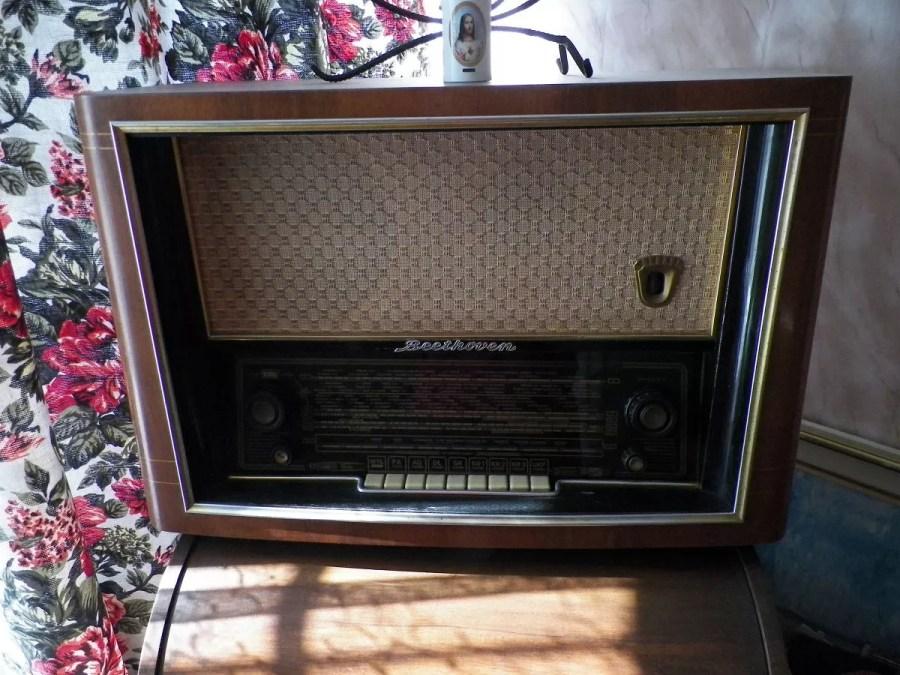 Radio lampowe Beethoven II z 1955 roku. Kobiece Finanase.