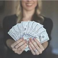 Kobieta zarabia więcej