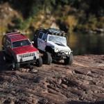クローラーラジコンでロッククローリング♪ Axial SCX10 Jeep & Axial SCX10 Dingo (Jeep Cherokee) (2013/12/8)