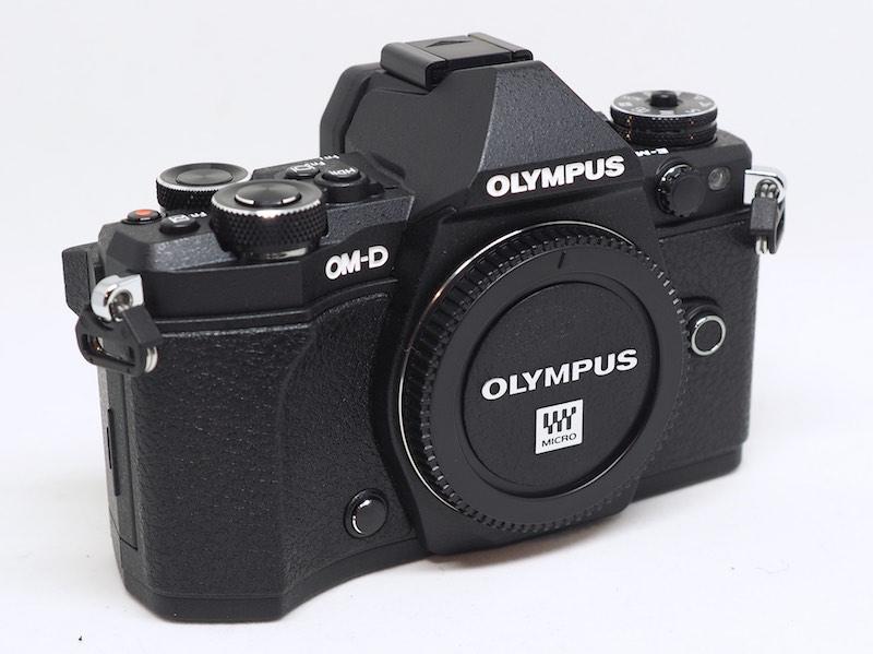 OLYMPUS OM-D EM-5 MarkII